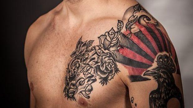 Männer bevorzugen in der Regel größere Tattoos.