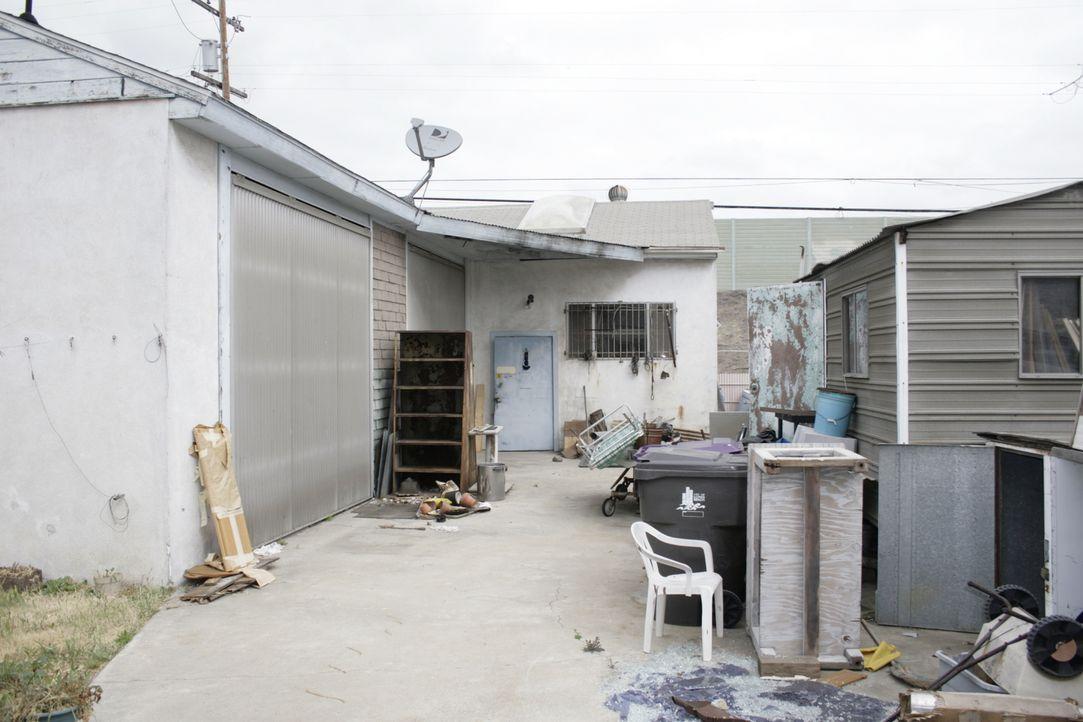Bevor die Renovierungsarbeiten los gehen können muss hier erstmal klar Schiff gemacht werden ... - Bildquelle: 2014,HGTV/Scripps Networks, LLC. All Rights Reserved