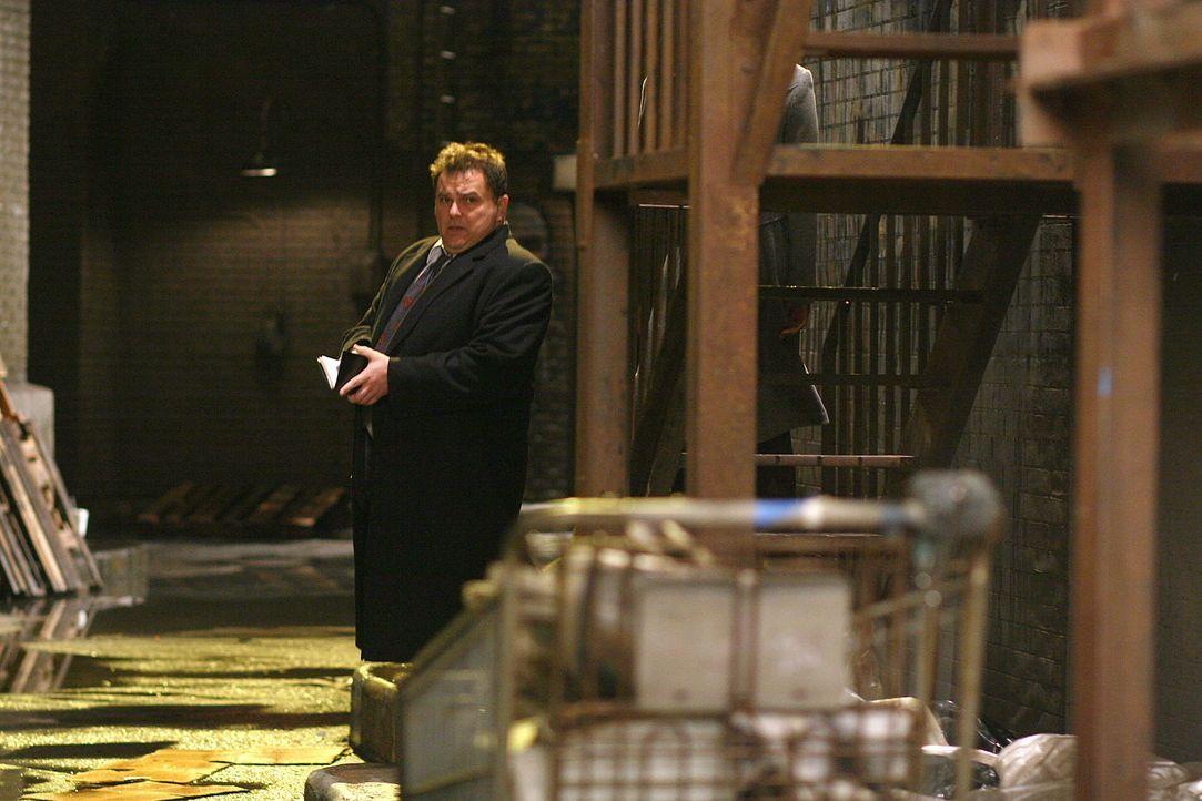 Ein Wettlauf mit der Zeit: Nick Vera (Jeremy Ratchford) ... - Bildquelle: Warner Bros. Television