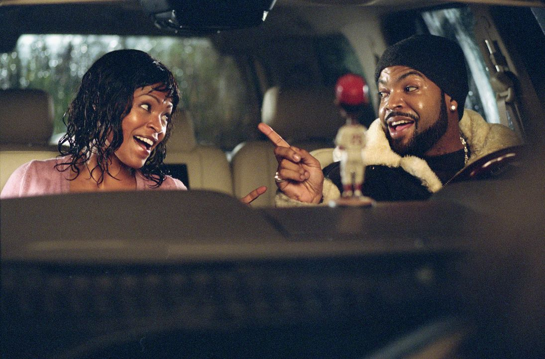 Der eingefleischte Junggeselle Nick (Ice Cube, r.) verliebt sich in die attraktive Mutter Suzanne (Nia Long, l.) und setzt alles daran, ihr Herz zu... - Bildquelle: Sony 2007 CPT Holdings, Inc.  All Rights Reserved.