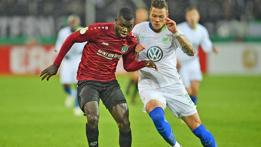 Hannover und Wolfsburg duellierten sich letztmals in der zweiten Pokalrunde. - Bildquelle: 2018 Getty Images