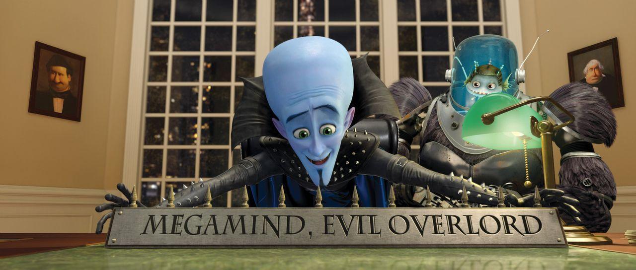 Er scheint am Ziel seiner Träume angekommen zu sein, aber schnell merken Megamind (l.) und Minion (r.), dass es als alleinige Herrscher ganz schön... - Bildquelle: MEGAMIND TM &   2012 DreamWorks Animation LLC. All Rights Reserved.