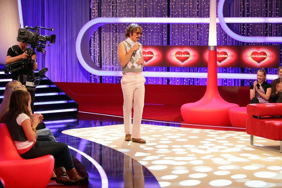 """Bei """"Comedystreet XXL"""" nimmt Simon Gosejohann, M. nicht nur ahnungslose Passanten aufs Korn. Wenn der Comedian mit seiner versteckten Kamera loszieh... - Bildquelle: Peter Boettcher ProSieben"""