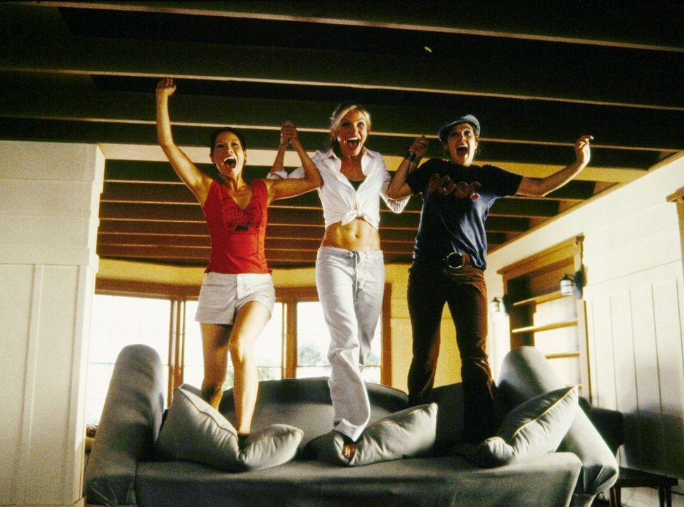 Sie sind schön, sie sind clever, sie haben Power - und sie arbeiten für Charlie! Der schickt die drei Engel (v.l.n.r.) Alex (Lucy Liu), Natalie (C... - Bildquelle: Sony Pictures Television International. All Rights Reserved.