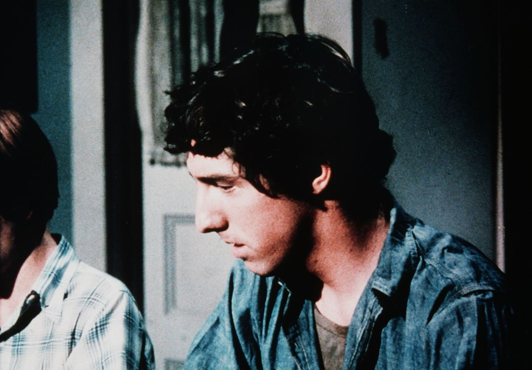 Familie Walton nimmt den misstrauischen und verzweifelten Gino (Michael Rupert), der aus einem Lager für arbeitslose Jugendliche ausgerissen ist, be... - Bildquelle: WARNER BROS. INTERNATIONAL TELEVISION
