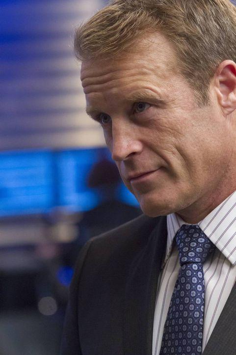 Hat gleich mehrere Leichen im Keller: CIA Director Widener (Mark Valley) ... - Bildquelle: 2013-2014 NBC Universal Media, LLC. All rights reserved.