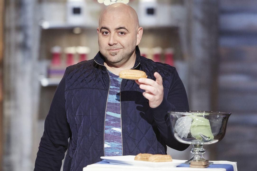 Ist gespannt, was für Eclaires die jungen Bäcker zaubern werden: Duff Goldman ... - Bildquelle: Greg Gayne 2015, Television Food Network, G.P. All Rights Reserved