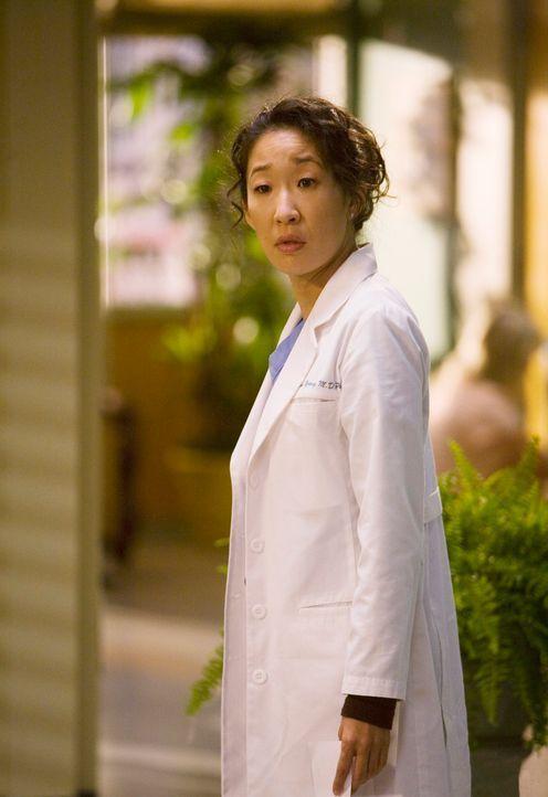 In der Dermatologie entdeckt Cristina (Sandra Oh) eine Zauberwelt - einen Ort, an dem alles hell und freundlich ist, Ärzte und Patienten leben in e... - Bildquelle: Touchstone Television