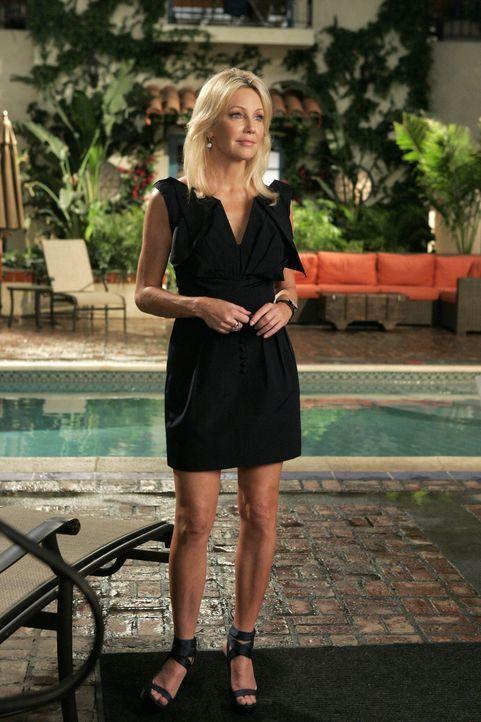 Amanda (Heather Locklear) will ihr Andenken um wirklich jeden Preis zurückhaben... - Bildquelle: 2009 The CW Network, LLC. All rights reserved.