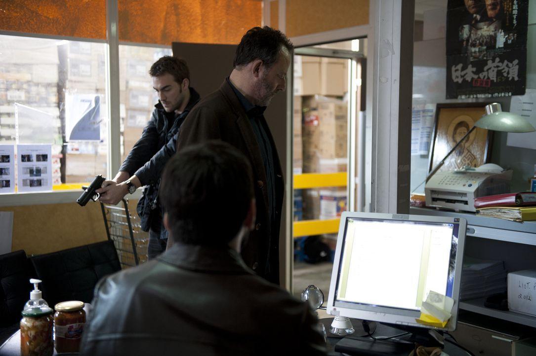 Auf der Suche nach einem Mörder: Jo (Jean Reno, r.) und Marc (Tom Austen, l.) ... - Bildquelle: Stéphanie Dupont Atlantique Productions