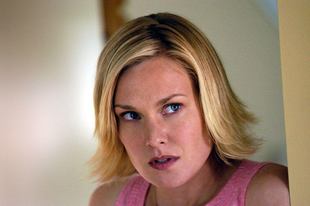 Lily (Laura Allen) ist besorgt um die Gesundheit und Sicherheit ihres noch ungeborenen Babys ... - Bildquelle: Viacom Productions Inc.