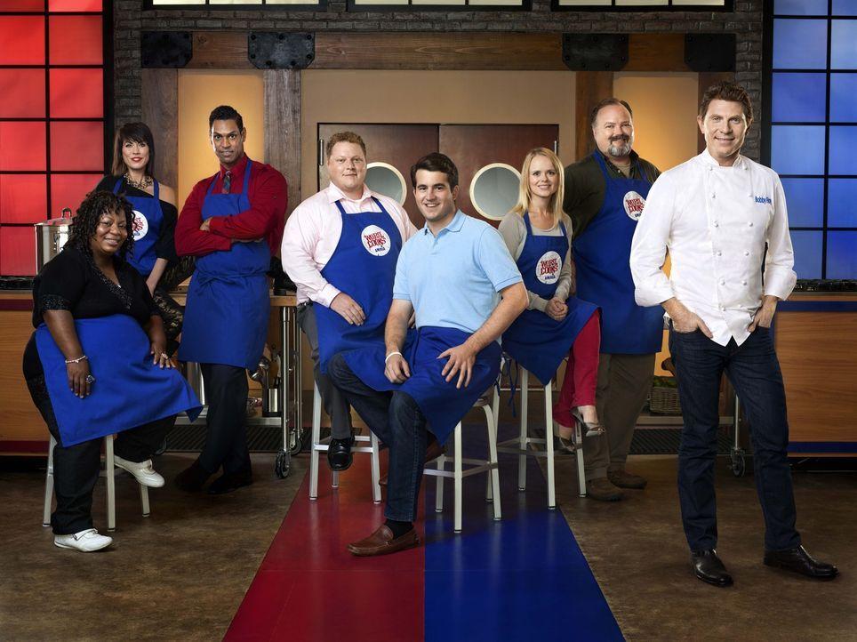 Wie werden sich Bobby Flays (r.) Köche im Küchen-Bootcamp schlagen? - Bildquelle: 2012, Television Food Network, G.P.
