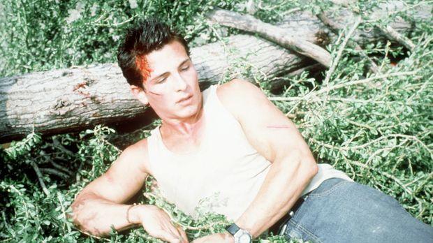 Brady (Mark McLachlan) kann dem Tod gerade noch entrinnen ... © Nu Image
