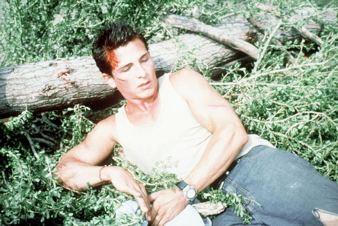 Brady (Mark McLachlan) kann dem Tod gerade noch entrinnen ... - Bildquelle: Nu Image