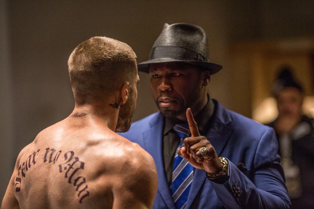 Wie wird Billy Hope (Jake Gyllenhaal, l.) reagieren, wenn ihm sein ehemaliger Manager Jordan Mains (50 Cent, r.) ein ganz besonderes Kampf-Angebot m... - Bildquelle: Scott Garfield Tobis Film/   2014 The Weinstein Company. All Rights reserved.
