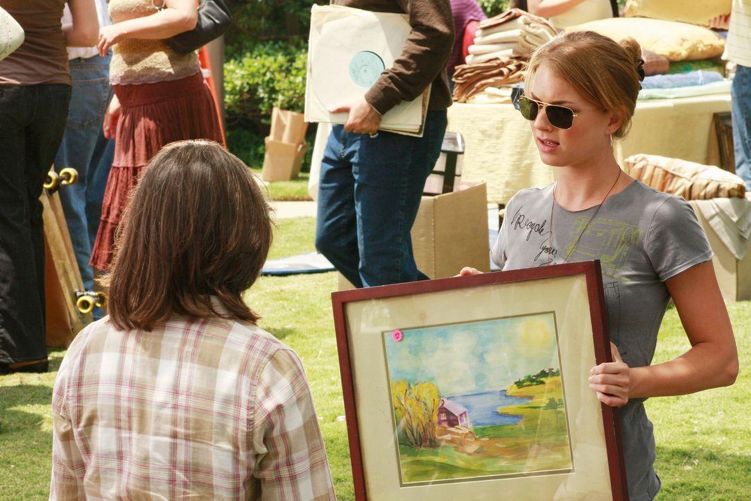 Will unbedingt herausfinden, von wem das Gemälde stammt: Rebecca (Emily VanCamp, r.) ... - Bildquelle: 2008 ABC INC.