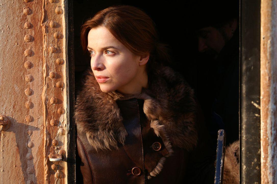 """Anna (Thekla Reuten) erscheint in einem übernatürlichen Licht - das ungeborene Kind von ihr und Duncan soll """"der Eine"""" sein. - Bildquelle: Lions Gate Films"""