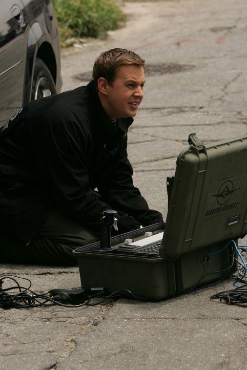 Tony (Michael Weatherly) ermittelt am Tatort ... - Bildquelle: CBS Television