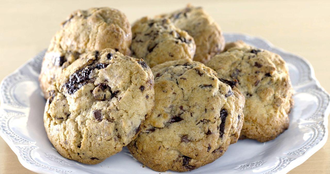 Auch für Freunde der süßen Köstlichkeiten hat Giada ein passendes Rezept parat. Diesmal gibt es Sin City Cookies ... - Bildquelle: 2015,Television Food Network, G.P. All Rights Reserved