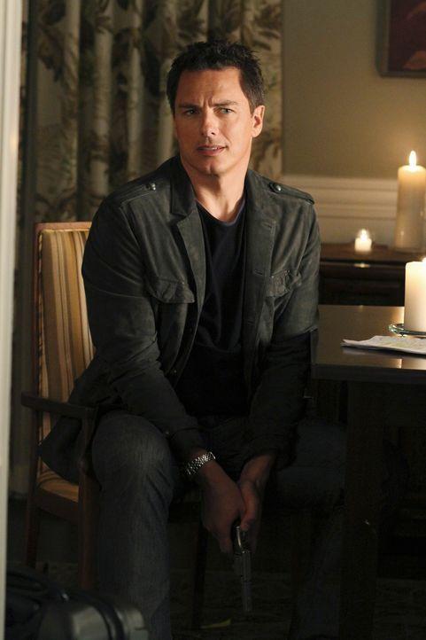Hat Angie in seiner Hand: Patrick Logan (John Barrowman) ... - Bildquelle: ABC Studios