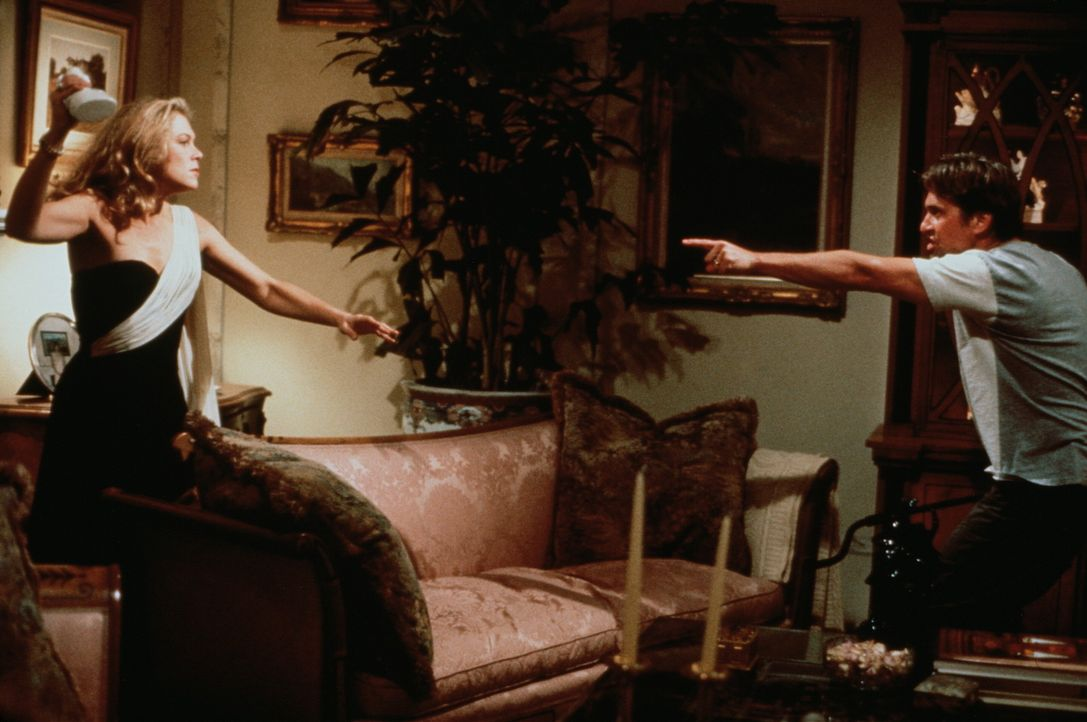 Zwischen Barbara (Kathleen Turner, l.) und Oliver (Michael Douglas, r.) ist der Scheidungskrieg entbrannt ... - Bildquelle: 20th Century Fox Film Corporation