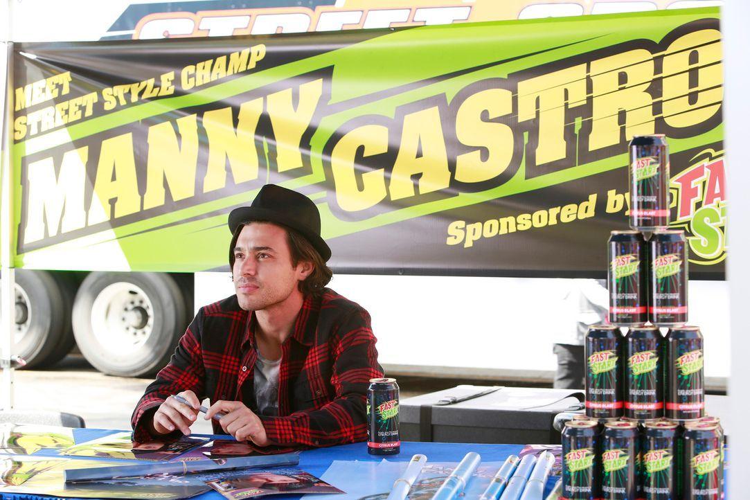 Weiß Manny Castro (Yani Gellman) irgendetwas, das mit dem Tod des Profi-Skateboarders zu tun hat? Immerhin war er einer seiner härtesten Konkurrente... - Bildquelle: 2014 American Broadcasting Companies, Inc. All rights reserved.