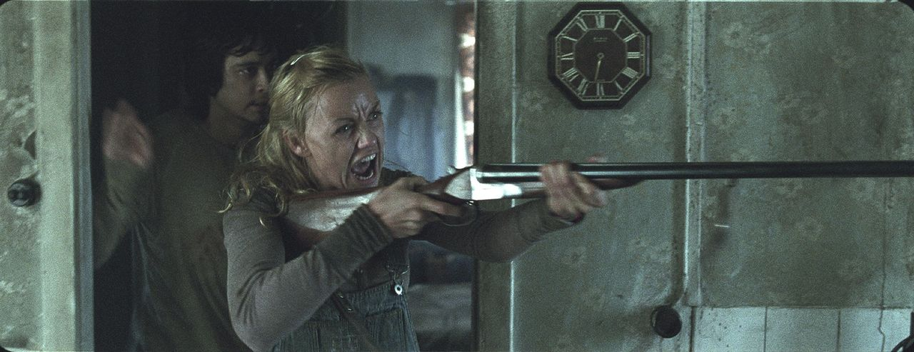 Gemeinsam mit Magnus (Pal Stokka, l.) wagt sich Hedda (Ida Marie Bakkerud, r.) in die Höhle des Löwen. Keine wirklich gute Idee ...