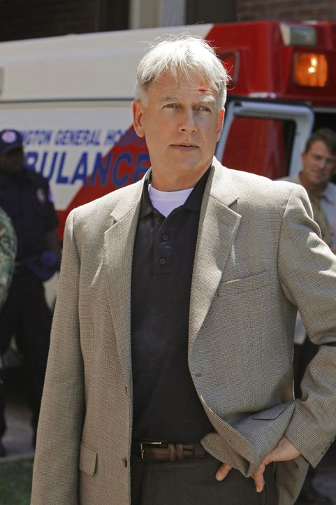 Versucht, den Täter zu fassen, der das NCIS-Hauptquartier in die Luft gesprengt hat: Gibbs (Mark Harmon) ... - Bildquelle: CBS Television