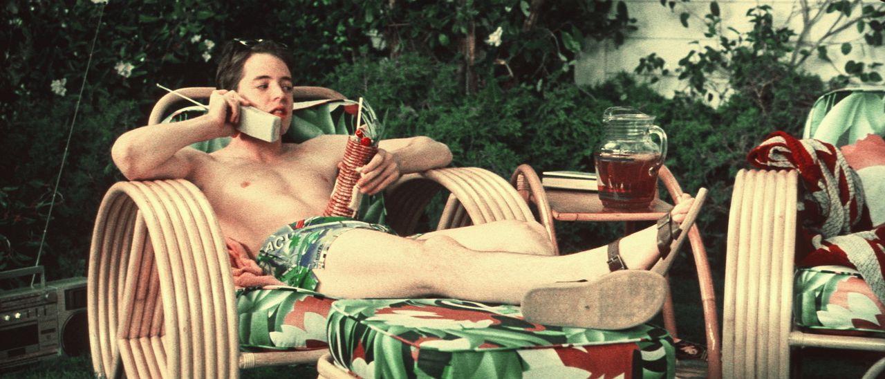 Hemmungslos gibt sich Sunnyboy Ferris (Matthew Broderick) den angenehmen Dingen des Lebens hin ... - Bildquelle: Paramount Pictures