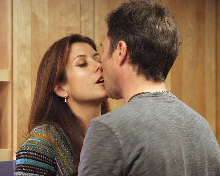 Lassen ihren Gefühlen freien Lauf: Addison (Kate Walsh, l.) und Pete (Tim Daly, r.) ... - Bildquelle: 2007 American Broadcasting Companies, Inc. All rights reserved.