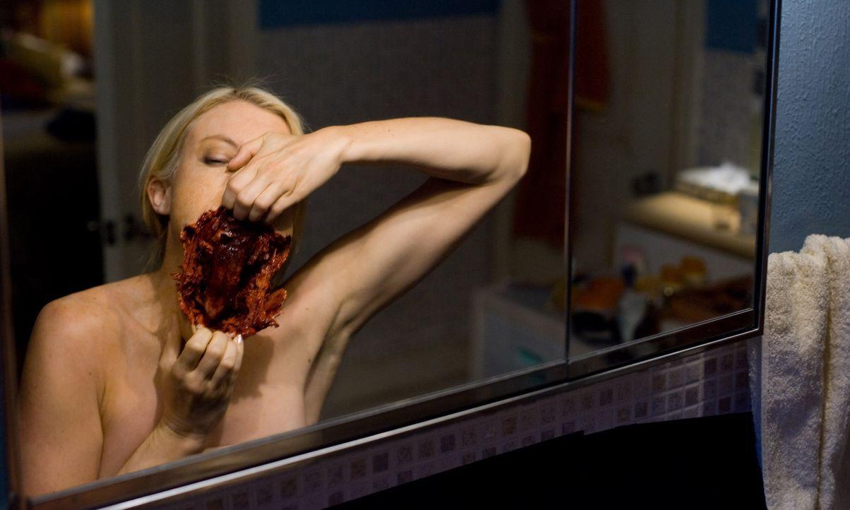 Wenn das eigene Spiegelbild einen angreift, dann stehen die Chancen zu überleben ziemlich schlecht: Angela (Amy Smart) ... - Bildquelle: 2007 Regency Enterprises, New Regency Pictures