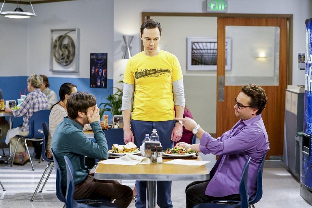 Als Sheldon (Jim Parsons, M.) alleine an dem Gyroskop-Projekt weiterarbeitet, ahnt er nicht, dass er seinen Freunden Howard (Simon Helberg, l.) und... - Bildquelle: Warner Bros. Television