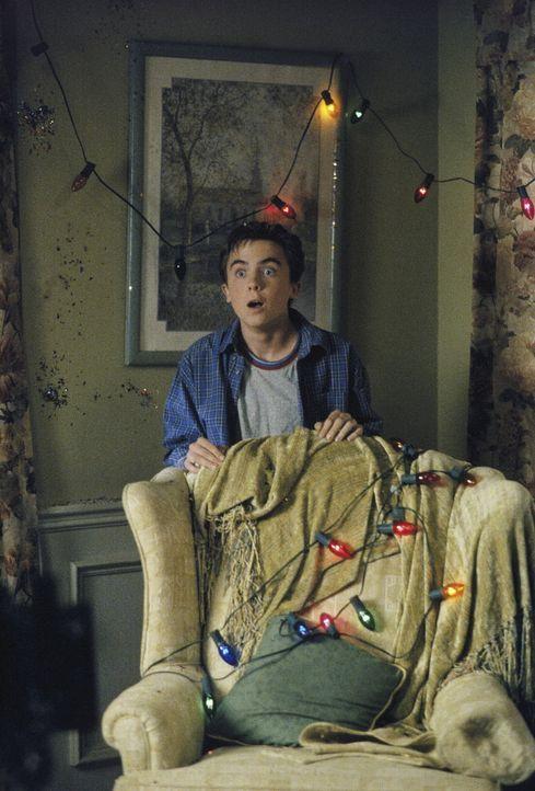 Malcolm (Frankie Muniz) ist sprachlos über den Verlauf der diesjährigen Weihnachtsfeier. - Bildquelle: TM +   Twentieth Century Fox Film Corporation. All Rights Reserved.