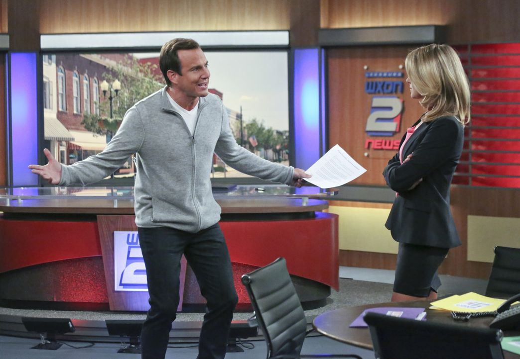 Wegen der Umstrukturierung des Familiengrabes wird  Nathan (Will Arnett, l.) erneut mit seiner Exfrau Janice (Eliza Coupe, r.) konfrontiert. Sie sol... - Bildquelle: 2013 CBS Broadcasting, Inc. All Rights Reserved.