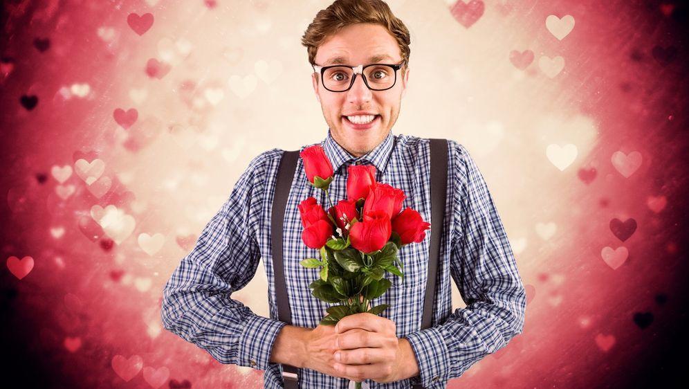 Blumen zum Valentinstag - Bildquelle: WavebreakMediaMicro - Fotolia