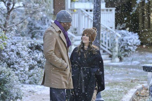 Hart of Dixie - Noch freut Zoe (Rachel Bilson, r.) sich über den Schnee in Bl...