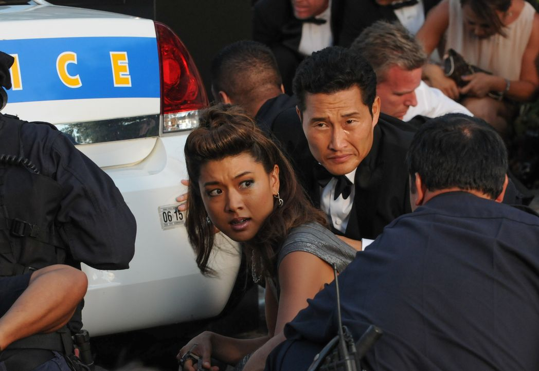 Kono (Grace Park, M.l.) und Chin (Daniel Dae Kim, M.r.) ermitteln Undercover und können sich auf einer Party, auf der angeblich auch Raubkunst gehan... - Bildquelle: Norman Shapiro 2014 CBS Broadcasting Inc. All Rights Reserved.