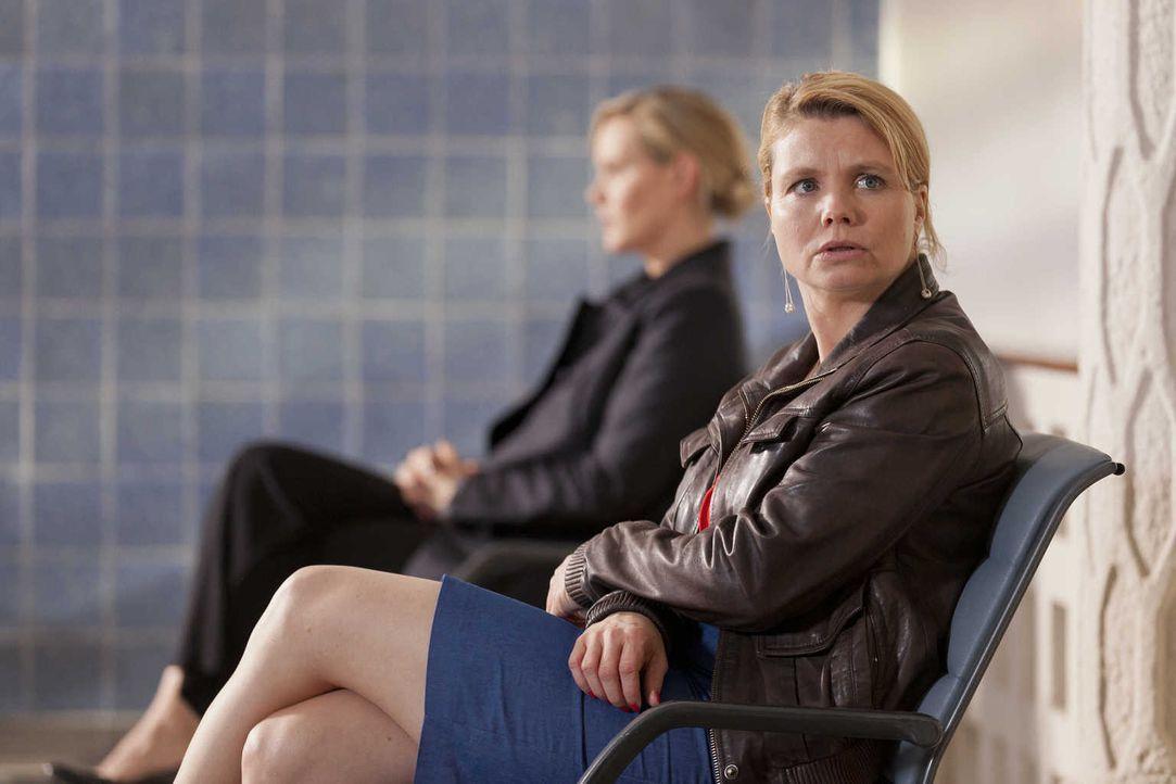Während Bea erkennt, dass ihr Traummann doch nicht so perfekt ist wie sie glaubte, ist Danni (Annette Frier) total frustriert, da Kurt seinen Job ve... - Bildquelle: Frank Dicks SAT.1