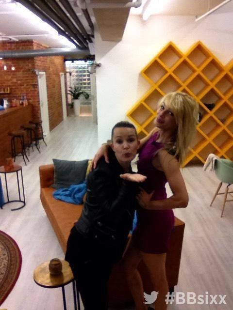 Tag 9: Kusshand Bianca und Sharon  - Bildquelle: sixx