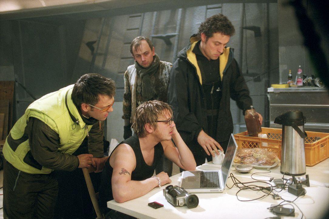 Sie machen das Unmögliche möglich: Bekannt für ihre sportlichen Höchstleistungen und ihrer extreme Risikobereitschaft drehen der Werbefilmspezialist... - Bildquelle: TM & Copyright   2002 by Paramount Pictures. All Rights Reserved.