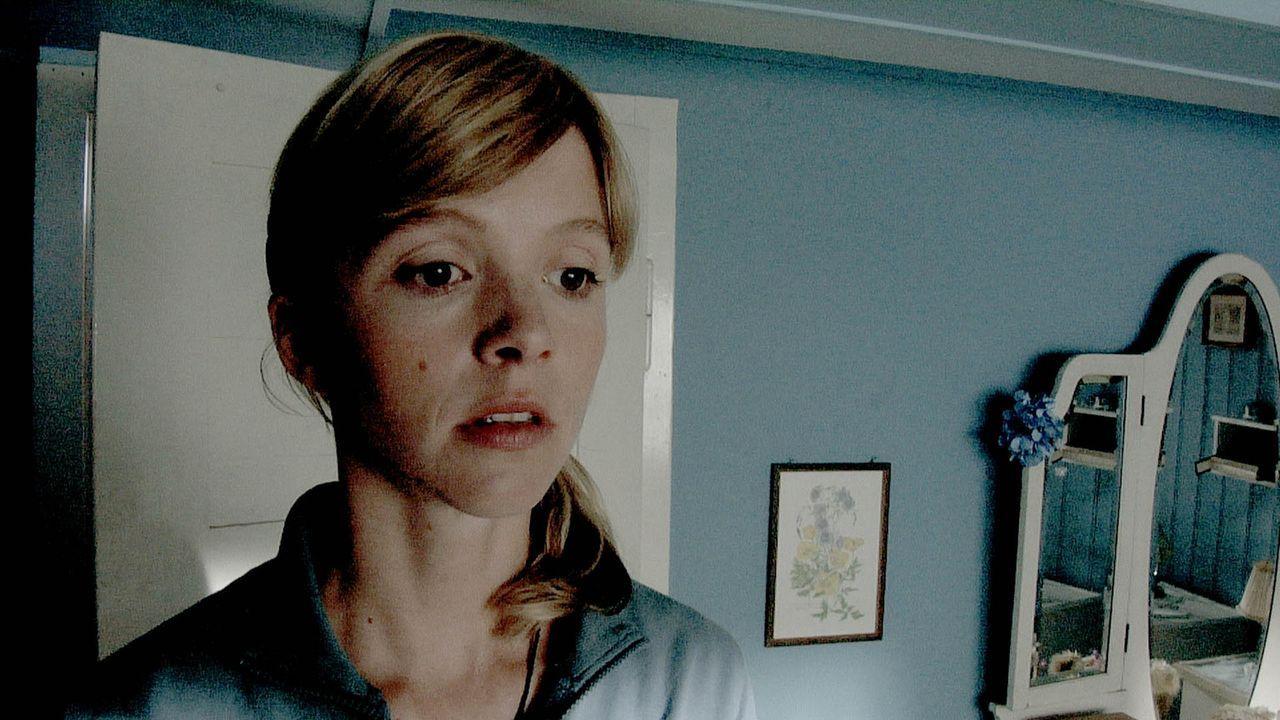 Urlaub in einer einsamen Hütte mitten im Schwarzwald. Für Eva (Johanna Klante) beginnt ein Alptraum wahr zu werden ...