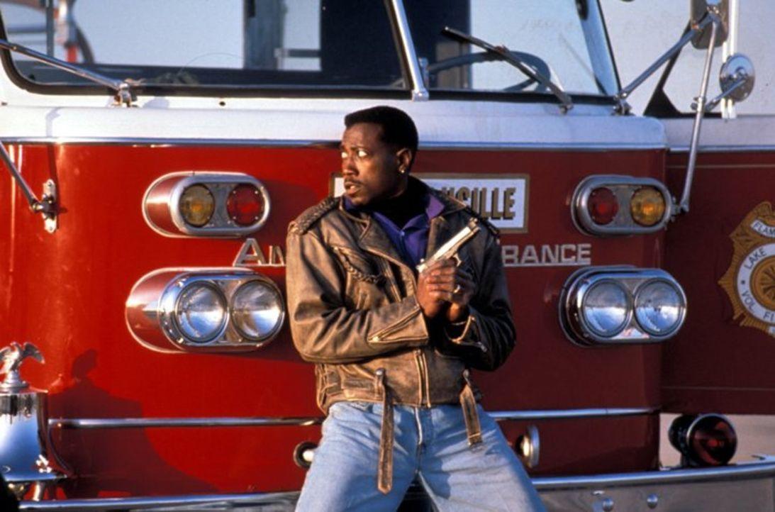 John Cutter (Wesley Snipes) nimmt den Kampf gegen die Gangster auf ... - Bildquelle: Warner Bros.