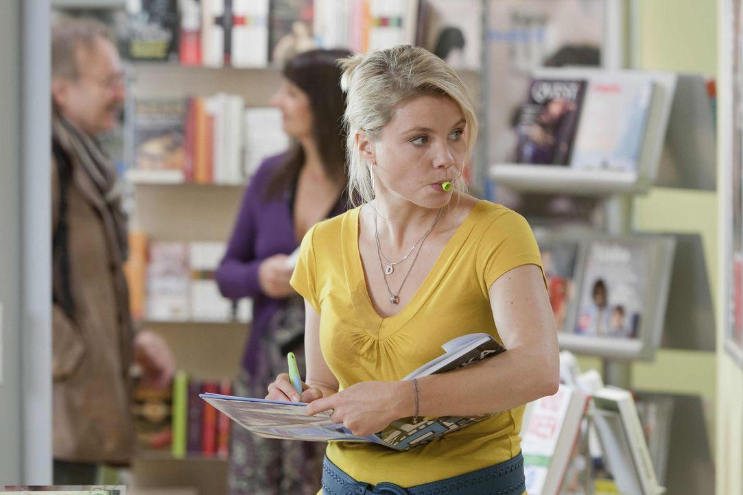 Um einen Fall zu gewinnen, schreckt Danni (Annette Frier) vor nichts zurück ... - Bildquelle: SAT.1