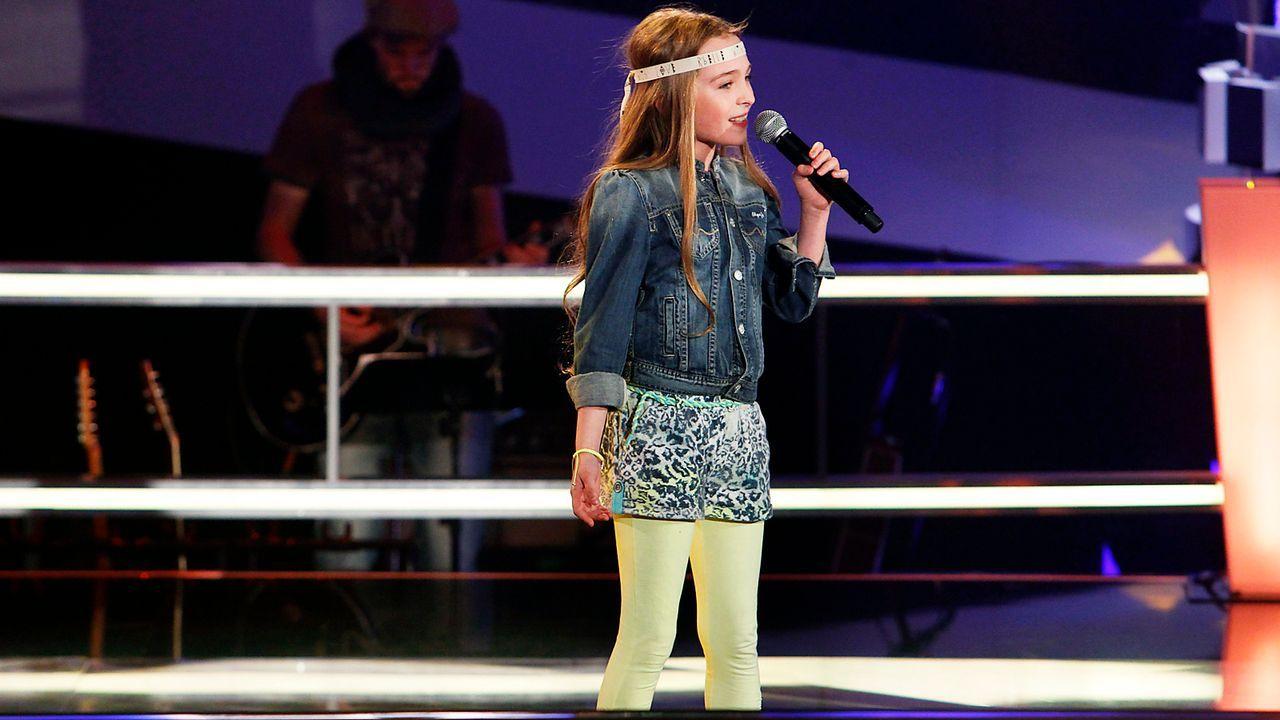 The-Voice-Kids-epi05-Fabienne-3-SAT1-Richard-Huebner - Bildquelle: SAT.1/Richard Hübner