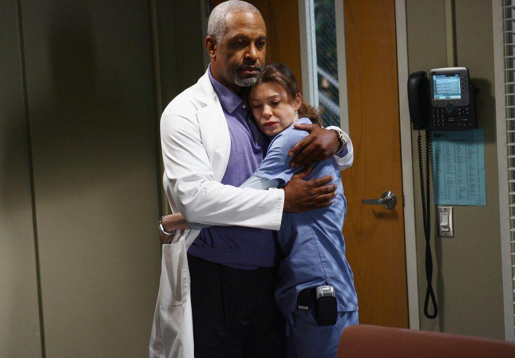 Nachdem Meredith' (Ellen Pompeo, r.) Vater im Krankenhaus war und ihr klargemacht hat, dass er sie nicht auf der Beerdigung seiner Frau sehen möcht... - Bildquelle: Touchstone Television