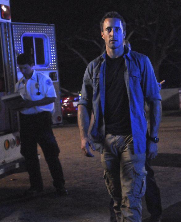 Die Dokumentarfilmer Christian und Kat werden auf einem alten hawaiianischen Friedhof ermordet aufgefunden. Steve (Alex O'Loughlin) und sein Team ve... - Bildquelle: TM &   CBS Studios Inc. All Rights Reserved.