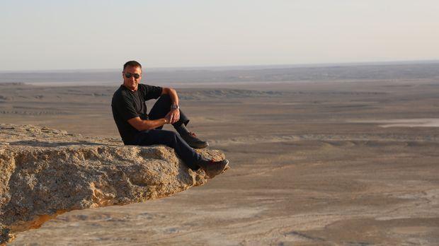 Als erster Westeuropäer darf Tom Waes in Turkmenistan offiziell eine Reisedok...