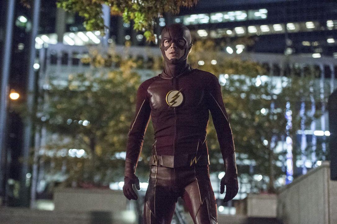Barry alias The Flash (Grant Gustin) ist geschockt, als gleich zwei unerwartete Gäste in Central City auftauchen ... - Bildquelle: 2015 Warner Brothers.
