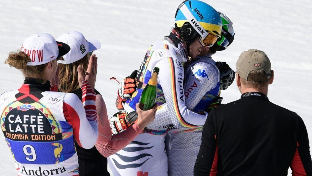 Neureuther lässt sich nach seinem letzten Rennen feiern - Bildquelle: AFPSIDJAVIER SORIANO