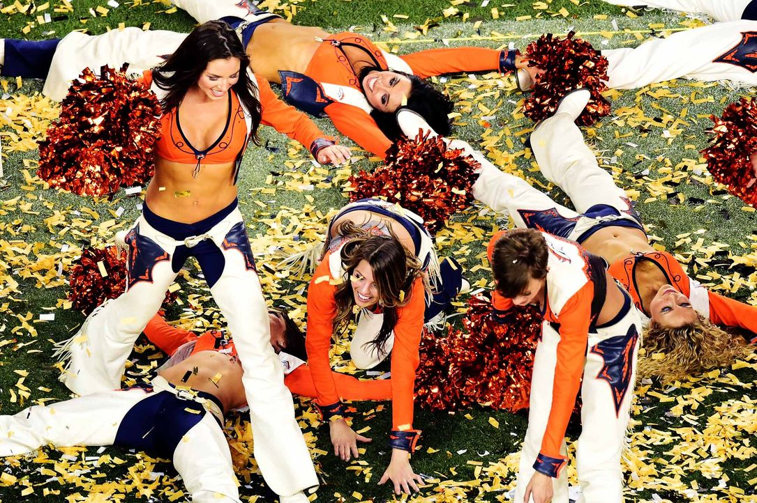 broncos-cheerleaders-160207-getty-AFP - Bildquelle: getty-AFP